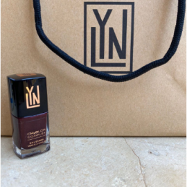 (LYN| BREATHABLE NAIL POLISH (MAROON ON AN ISLAND