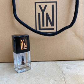 LYN | breathable nail polish (top coat)