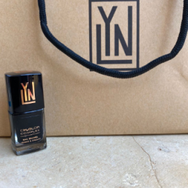 LYN| breathable nail polish (bringing sexy black