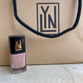 ( LYN| BREATHABLE NAIL POLISH (SAND STORM