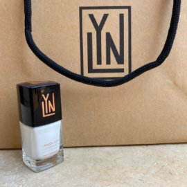 ( LYN| BREATHABLE NAIL POLISH (SNOW ME A GOOD TIME