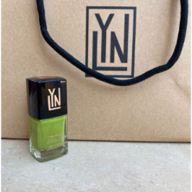 (LYN| BREATHABLE NAIL POLISH (POLLY WANTS THIS LACQUER
