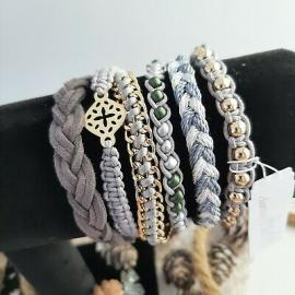 BLACK IRIS ACCESSORIES | 7 charming charlie bracelet